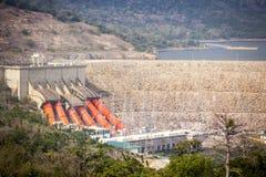 Centrale idroelettrica di Akosombo sul fiume del Volta nel Ghana fotografia stock libera da diritti