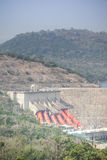 Centrale idroelettrica di Akosombo sul fiume del Volta nel Ghana immagine stock libera da diritti