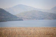 Centrale idroelettrica di Akosombo sul fiume del Volta nel Ghana immagini stock libere da diritti