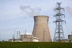 Centrale nucléaire à Doel photographie stock