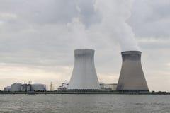 Centrale nucleare di Doel vicino a Antwerpen, Belgio Fotografia Stock Libera da Diritti
