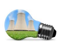 Centrale nucleare in lampadina Fotografia Stock Libera da Diritti