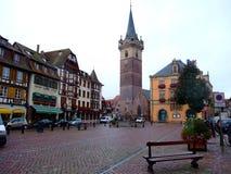Centrale plaats van stad Obernai - de Elzas Stock Foto