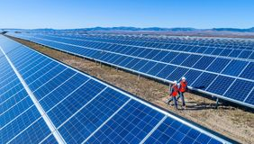 Centrale solaire photos stock