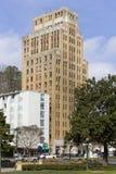 Centralen står hög medicinska konster som bygger Hot Springs AR Arkivbild