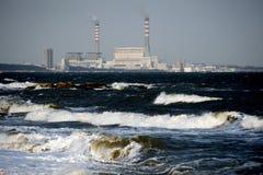Centrales eléctricas costeras de Suizhong imágenes de archivo libres de regalías