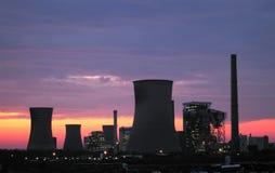 Centrales eléctricas en la salida del sol Fotos de archivo libres de regalías