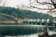 Centrales hidroel?ctricas viejas foto de archivo