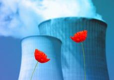 Centrales nucléaires et écologie illustration stock