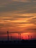 Centrali eoliche al tramonto Immagine Stock Libera da Diritti