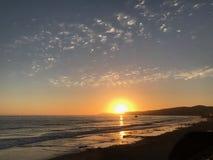 Centrali Kalifornia Brzegowy spektakularny zmierzch nad oceanem obrazy royalty free