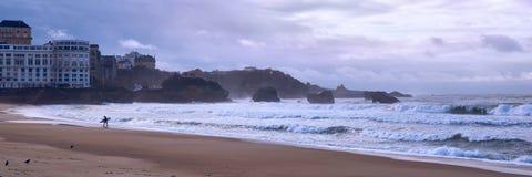 Centrali plaża w Biarritz, wynagrodzenie bask, Francja, widok Basta kołysa zdjęcia royalty free