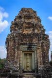 Centrali wierza z Niewidomym drzwi przy Wschodnim Mebon w Siem Przeprowadza żniwa Cambodi Zdjęcia Stock
