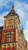 Ta tid på står hög i Amsterdam Royaltyfria Foton