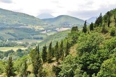 Centralt Italien landskap med kullar och vegetation Fotografering för Bildbyråer