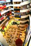 Centre commercial à l'intérieur images libres de droits