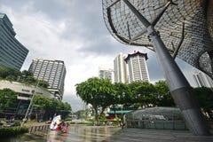 Centre commercial d'ION Orchard Singapour après forte pluie Photo libre de droits