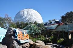 Centre de Disney Epcot et train de monorail Photos stock