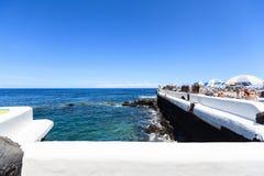 Centre de divertissement Lago Martianez avec des piscines avec de l'eau océanique Image libre de droits