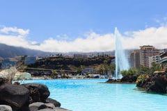 Centre de divertissement Lago Martianez avec des piscines avec de l'eau océanique, Photo stock