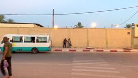 Centre de la ville d'Ouargla au temps de soirée Ouargla est celui de la ville touristique en Algérie vidéo banque de vidéos