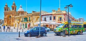 Centre de village de Marsaxlokk, Malte photographie stock libre de droits