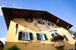 Centre de ville de Castelrotto Photographie stock libre de droits