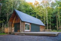Centre de visiteur de Northumberlandia Photographie stock libre de droits