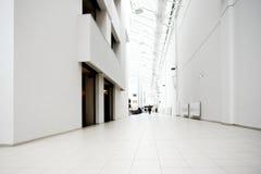 centre sala biurowy biel Obrazy Royalty Free