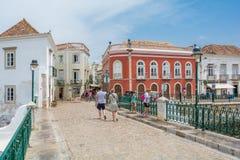 Centro città di Tavira, distretto di Faro, Algarve immagini stock