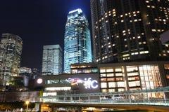 Centro comercial en la noche imágenes de archivo libres de regalías
