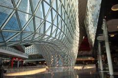 Centro comercial futurista Imágenes de archivo libres de regalías