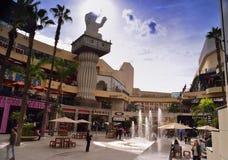 Centro comercial por el teatro de Kodak imagen de archivo libre de regalías