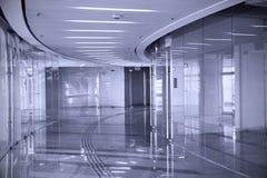 Centro comercial vacío (Duotone) Imágenes de archivo libres de regalías