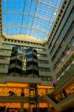 Centro commerciale con il soffitto blu Fotografia Stock