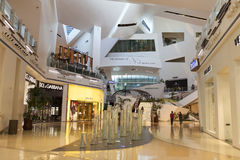 Centro commerciale dei cristalli all'interno, a Las Vegas, NV il 27 aprile 2013 Immagine Stock Libera da Diritti