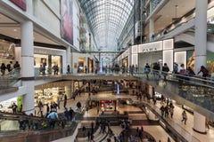 Centro commerciale del centro di Eaton a Toronto, Canada Fotografia Stock