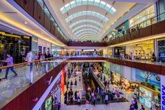 Centro commerciale del Dubai, Dubai, UAE Fotografie Stock Libere da Diritti