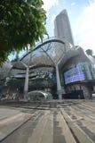 Centro commerciale di ION Orchard Singapore dopo pioggia persistente tropicale Immagine Stock