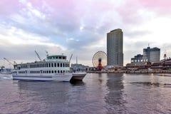Centro commerciale e parco a tema di Kobe Harborland del mosaico di Umie su lungomare a porto di Kobe, prefettura di Hyogo, Giapp Fotografia Stock
