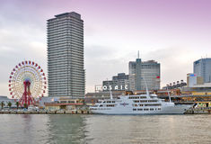 Centro commerciale e parco a tema di Kobe Harborland del mosaico di Umie su lungomare a porto di Kobe, prefettura di Hyogo, Giapp Immagine Stock