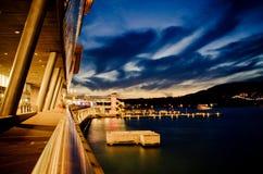 Centro congressi di Vancouver alla notte fotografie stock