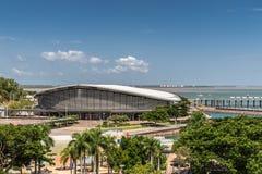 Centro congressi in porto di Darwin Australia fotografia stock libera da diritti