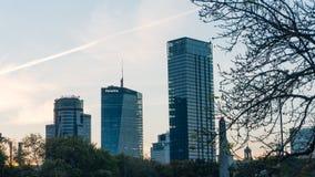 Centro da cidade de Varsóvia com o palácio da ciência da cultura Imagens de Stock