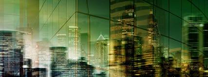 Centro da cidade misterioso de alta resolução da noite/noite Fotos de Stock Royalty Free