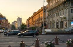 Centro da cidade na noite, Bielorrússia de Minsk fotografia de stock royalty free