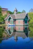 Centro da descoberta de Charles A Dana Discovery Center - Central Park, New York City imagens de stock