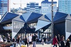 Centro da função de Wharewaka, situado na margem de Wellingtons fotos de stock