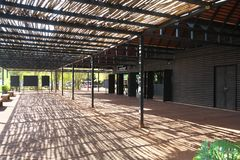 Centro de acolhimento de Banteay Srei em Siem Reap, Camboja fotografia de stock