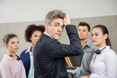 Centro de atención telefónica tensado de With Employees At del encargado Foto de archivo
